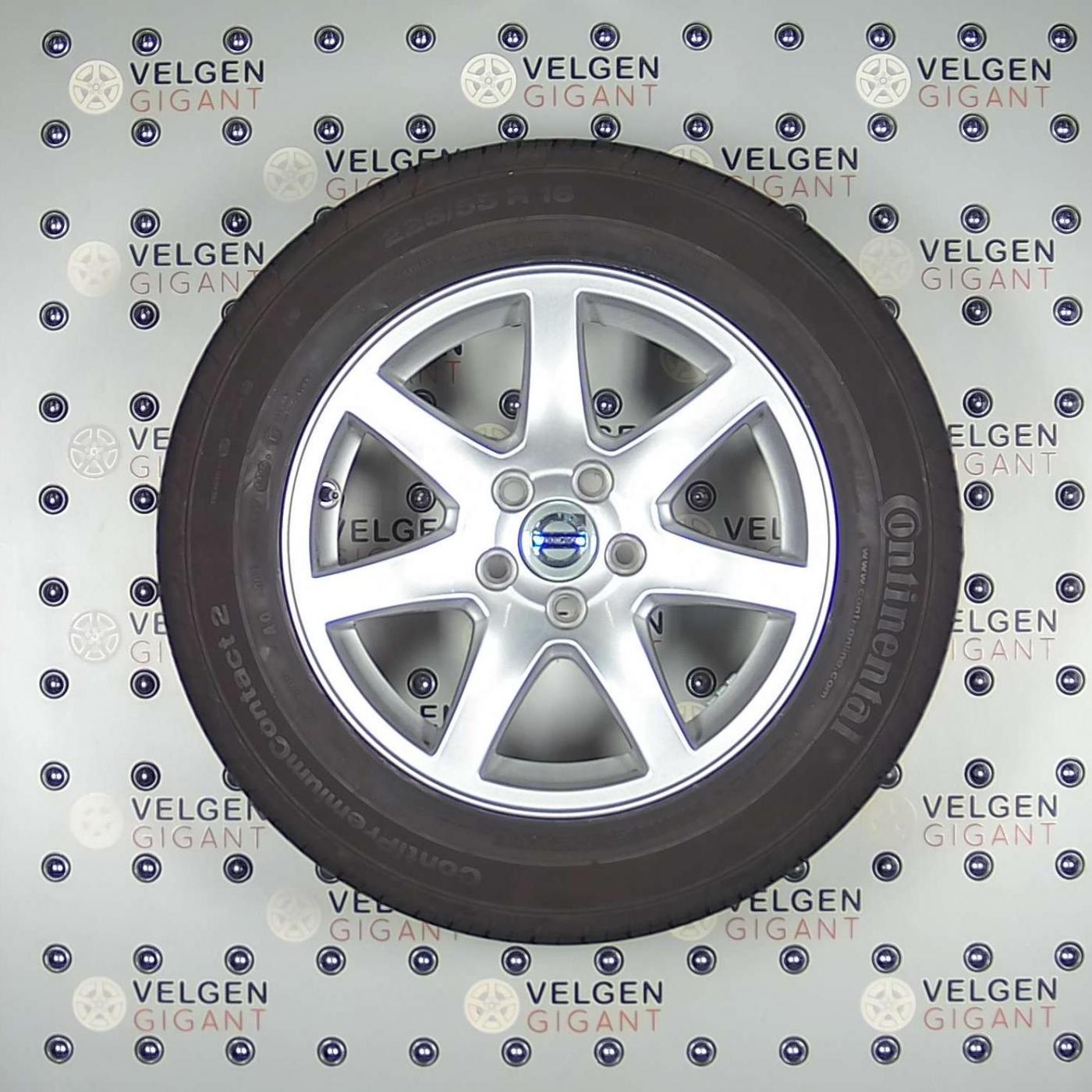 Zeer Mooie Volvo Naos Velgen Met Goede Continental Zomer En