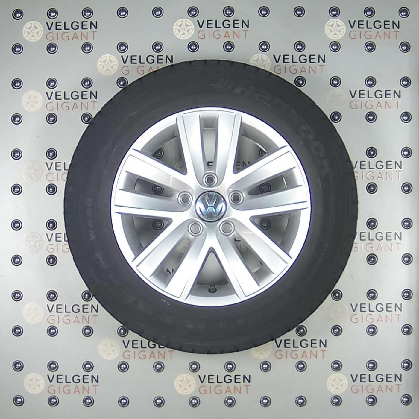 Zeer Mooie Volkswagen Caddy Velgen Met Hankook Winter Banden